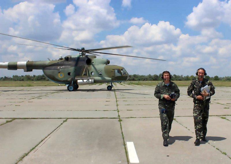 Mi-8 N85 red in war-003