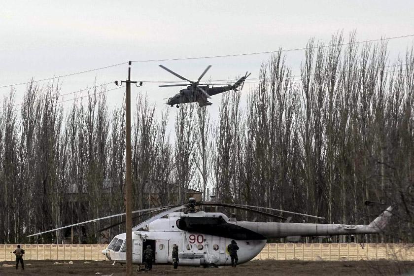 Mi-8 N90 Red in war-001