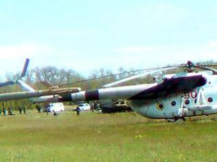 Mi-8 N90 Red in war-002