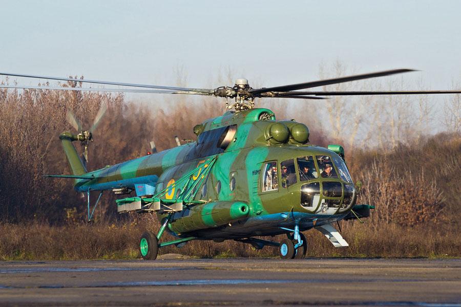 Mi-8 N55 yellow before war-005