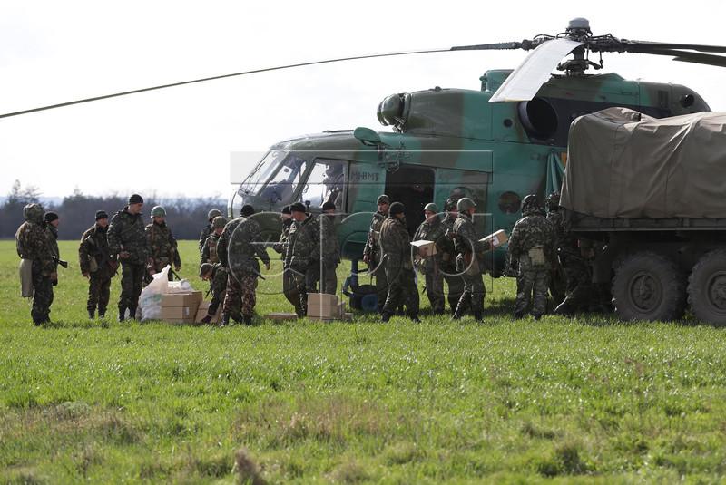 Mi-8 N55 yellow in war-002