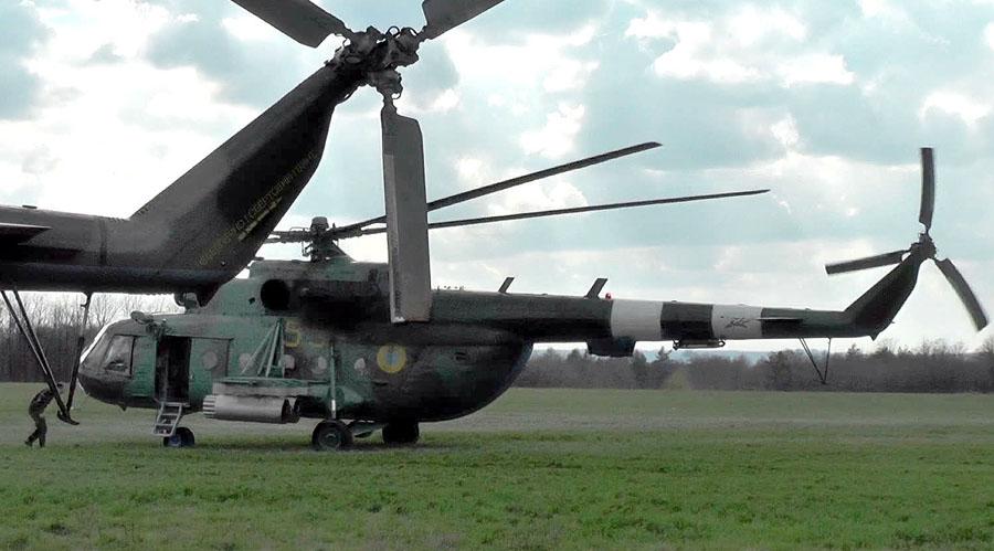 Mi-8 N55 yellow in war-001