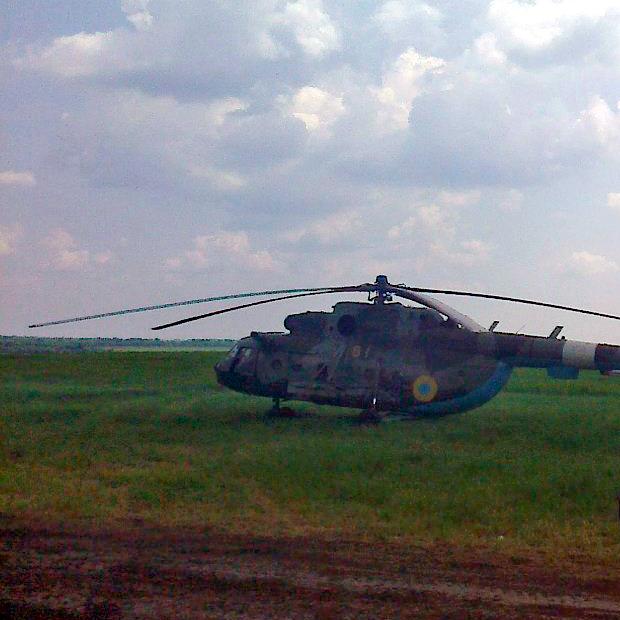 Mi-8 N61 yellow in war-004