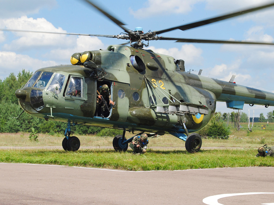 Mi-8 N62 yellow before War-005