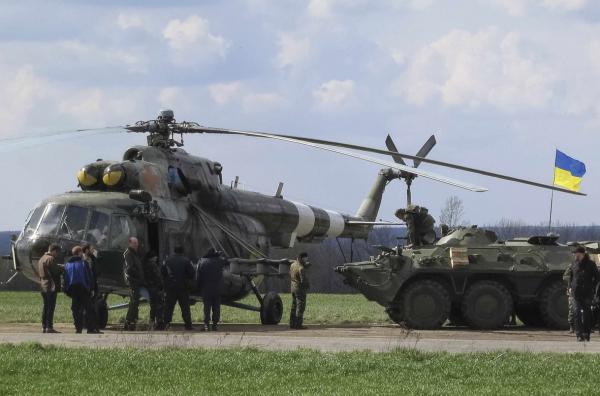 Mi-8 N62 yellow in war-001