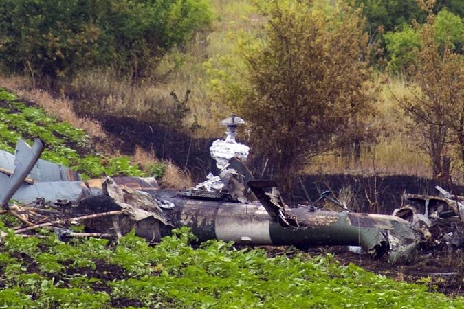 Mi-8 N63 yellow destroyed-001
