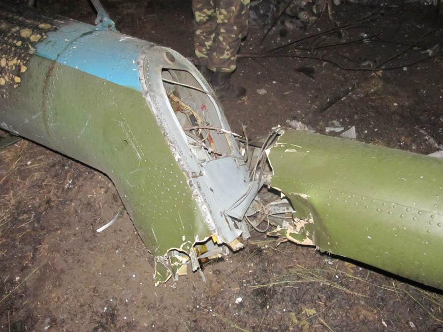 Mi-8 N63 yellow destroyed-010
