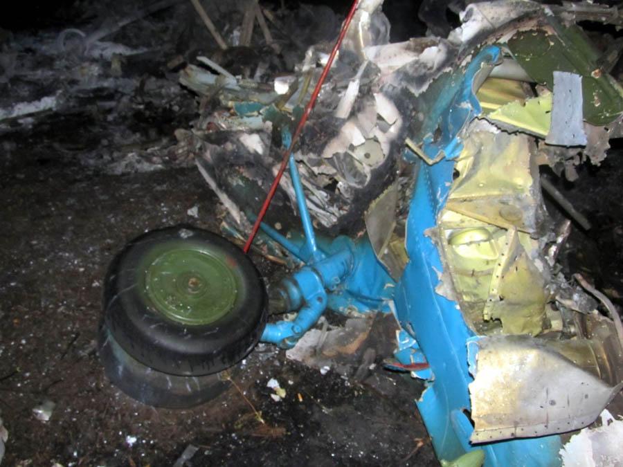 Mi-8 N63 yellow destroyed-013