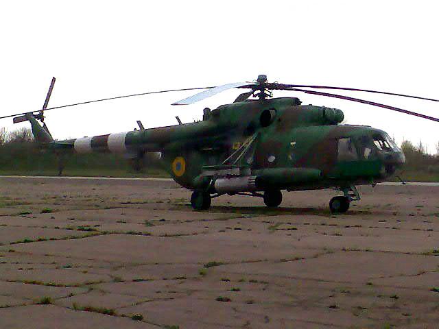 Mi-8 N64 yellow in war-001