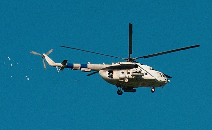 Mi-8 N68 yellow in war-001