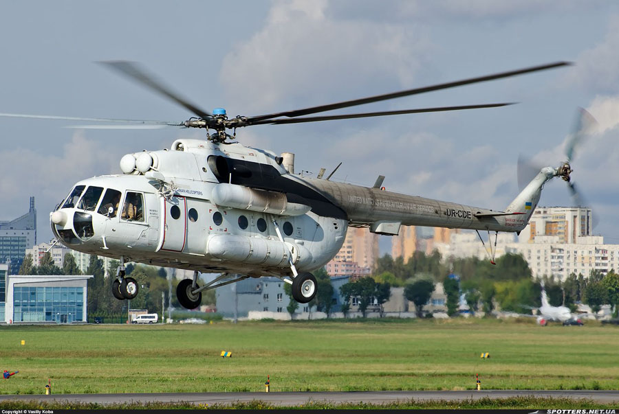 Mi-8 UR-CDE-001