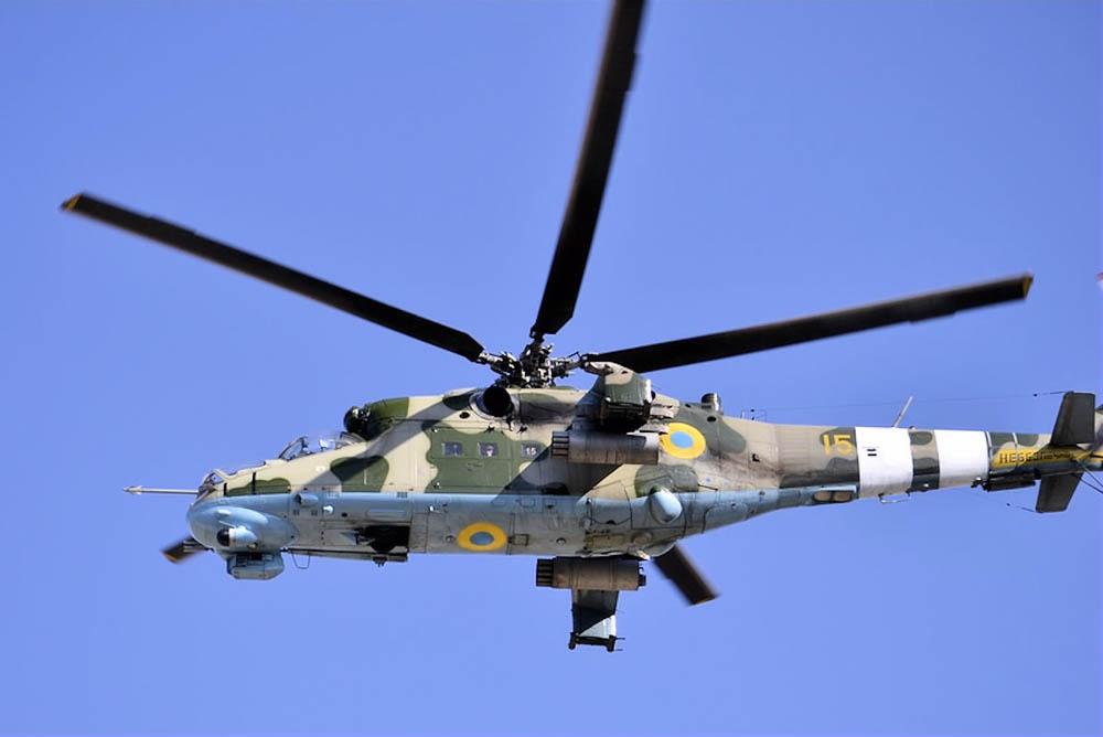 Mi-24 N15 yellow-LJ002.jpg