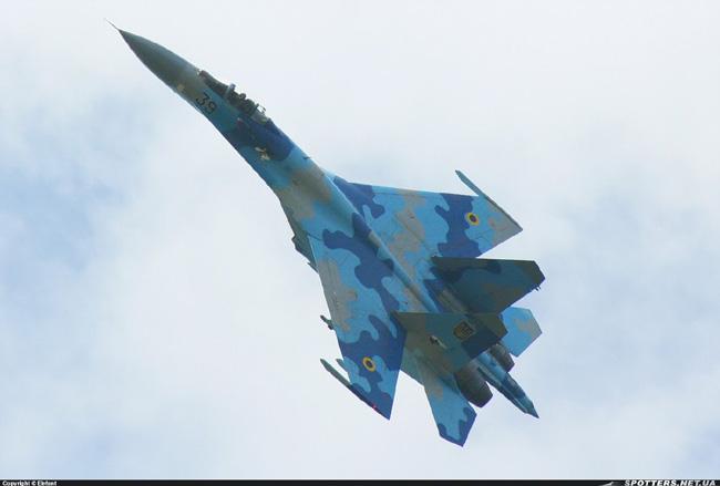 UkrAF Su-27-N39-002