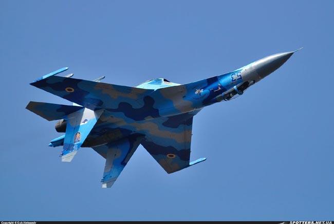 UkrAF Su-27-N53-001