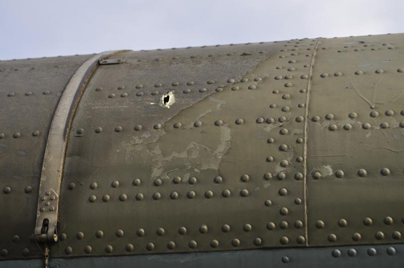 UkrAF Mi-8 N61 damaged 2-05-2014-007