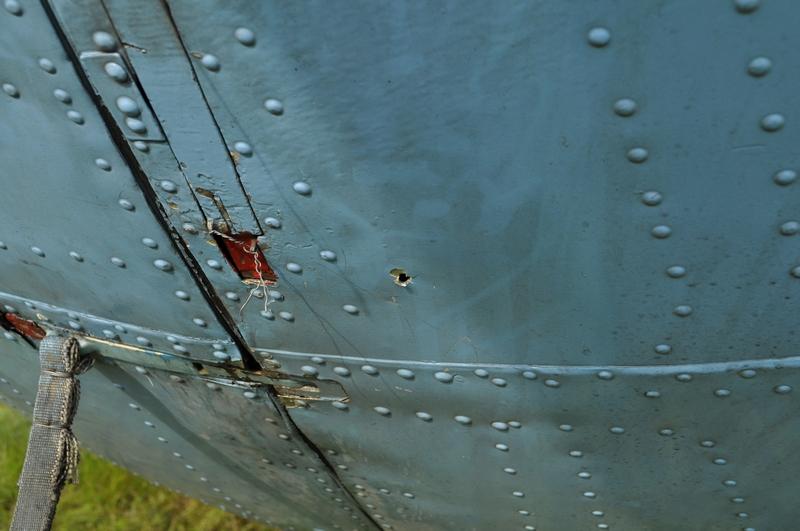 UkrAF Mi-8 N61 damaged 2-05-2014-010