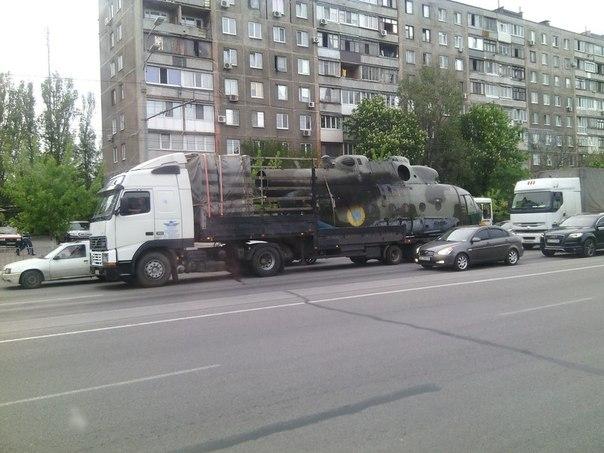 UkrAF Mi-8 N61 damaged 2-05-2014-002