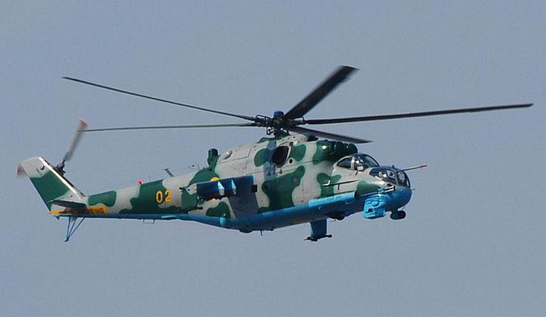 Mi-24 N02 yellow green camo-002