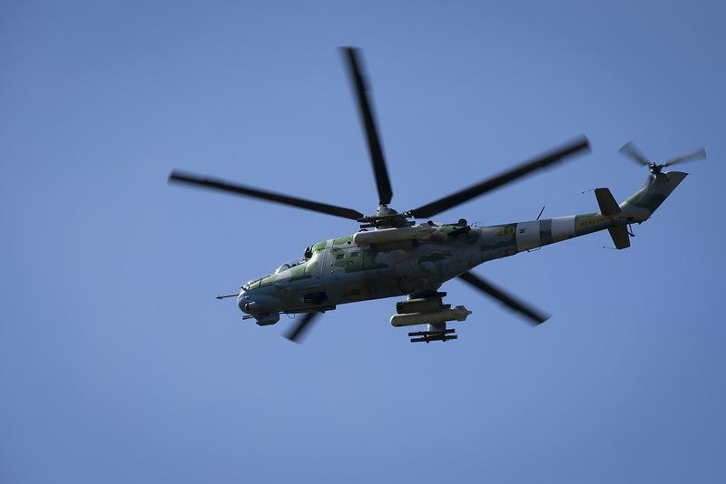 Mi-24 N40 yellow-006