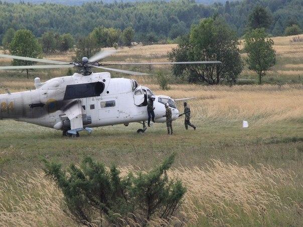 Mi-24 N24 yellow-003