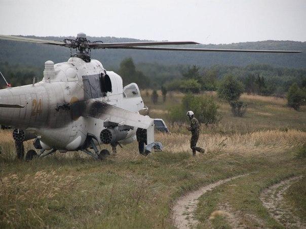 Mi-24 N24 yellow-001
