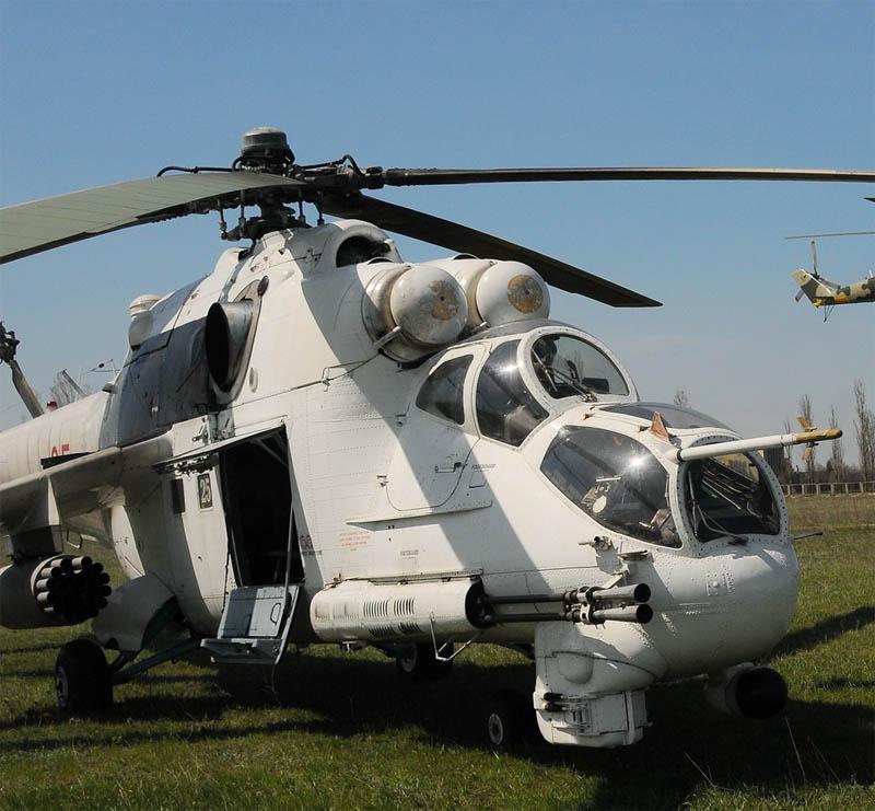Mi-24 N25 red-007