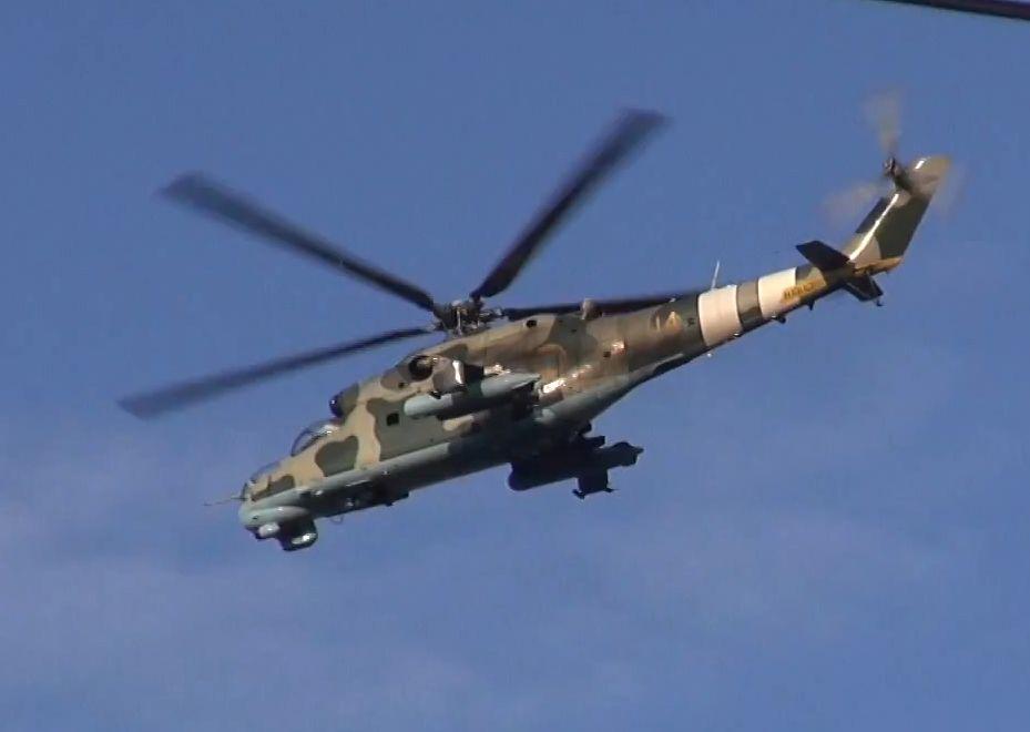 Mi-24 N14 yellow-005