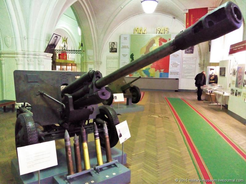 Artillery museum St. Petersburg-2015-05-02_557.jpg