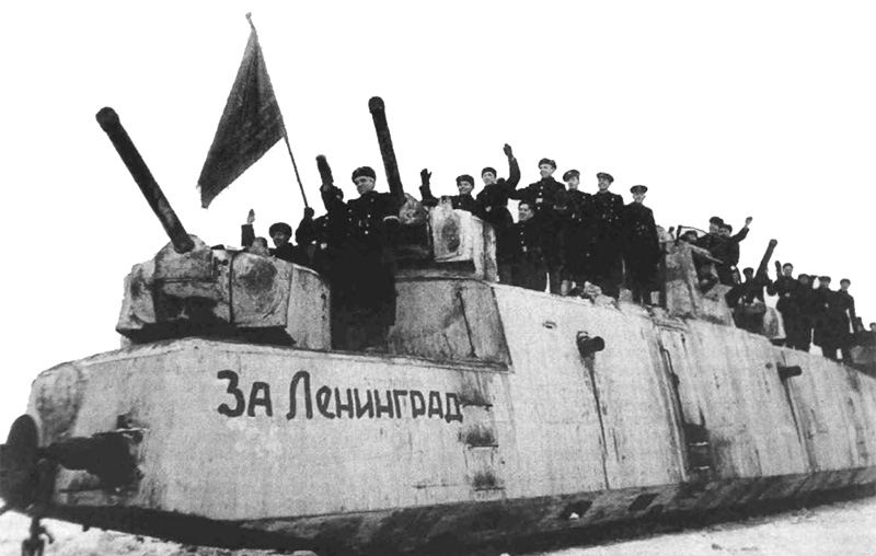 Моторный броневой вагон МБВ № 2. Источник: https://upload.wikimedia.org/wikipedia/ru/4/44/MBV_No.2_'For_Leningrad!'_1944.jpg