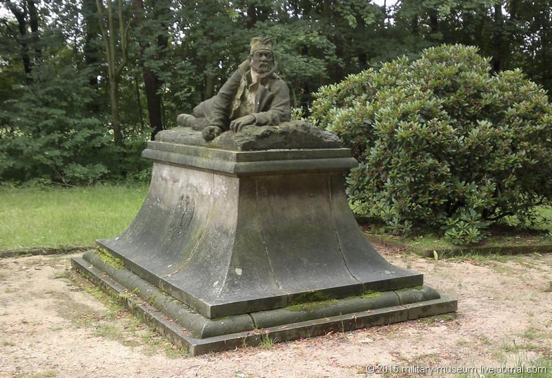 Koenigsbrueck_Friedhof-2012-07-07_057.jpg