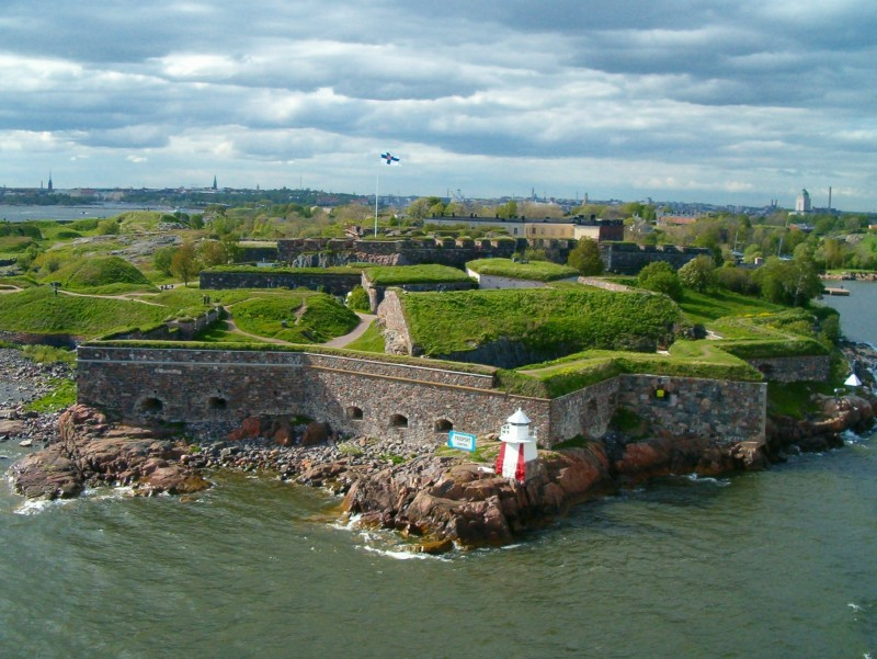 http://commons.wikimedia.org/wiki/File%3ASuomenlinna.jpg Michal Pise [CC BY 2.0 (http://creativecommons.org/licenses/by/2.0)], via Wikimedia Commons