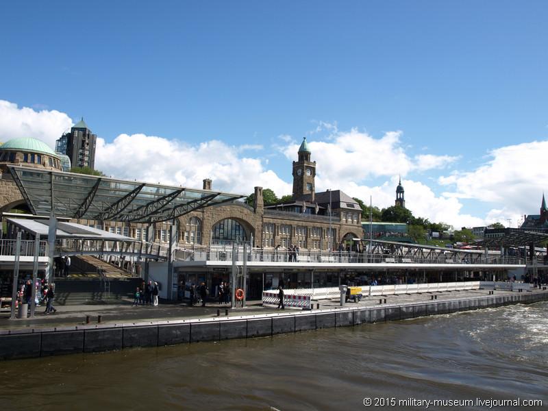 Hamburg Hafen-2015-05-30_001.jpg