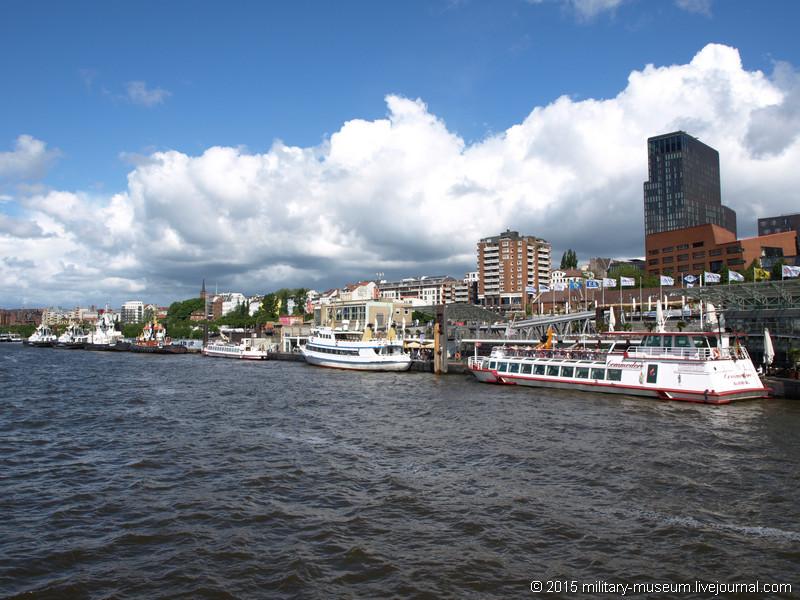 Hamburg Hafen-2015-05-30_003.jpg
