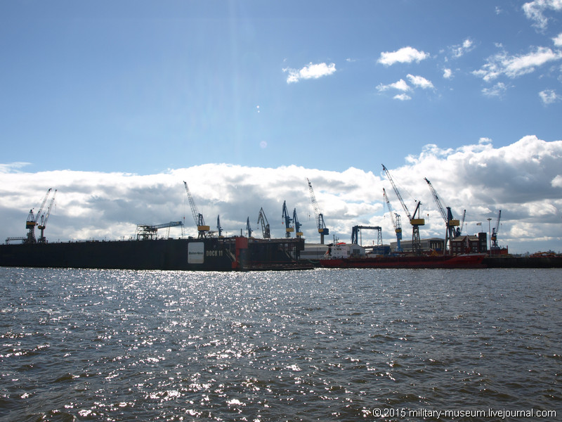 Hamburg Hafen-2015-05-30_008.jpg