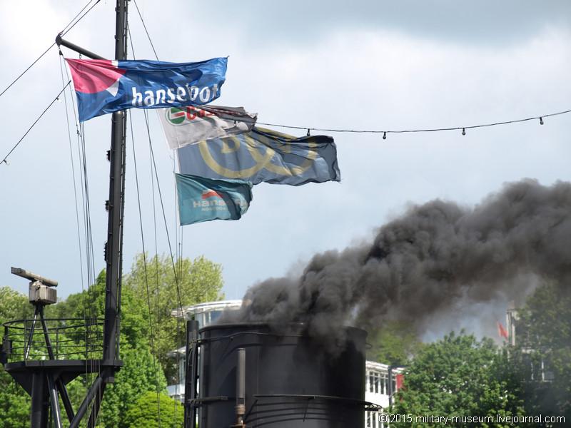 Hamburg Hafen-2015-05-30_022.jpg