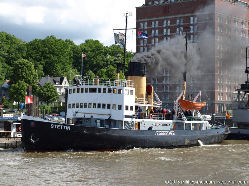 Hamburg Hafen-2015-05-30_023.jpg