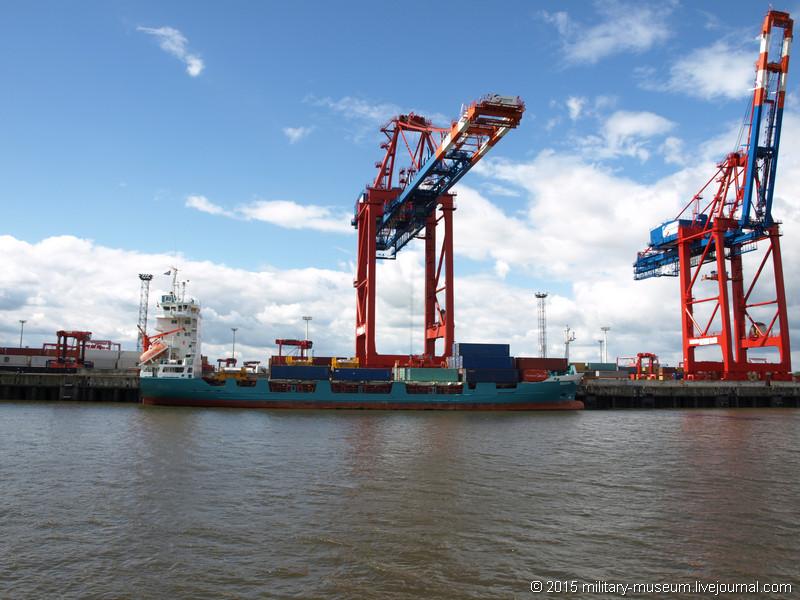Hamburg Hafen-2015-05-30_030.jpg