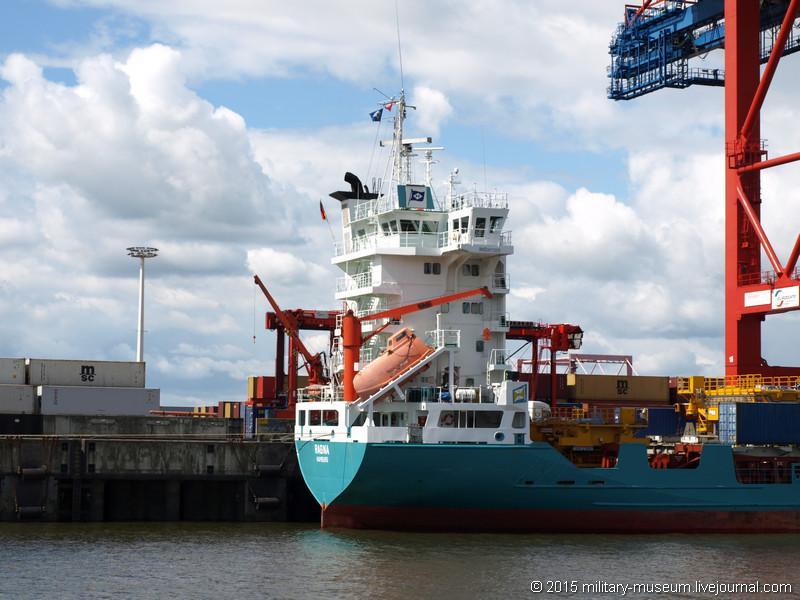 Hamburg Hafen-2015-05-30_032.jpg