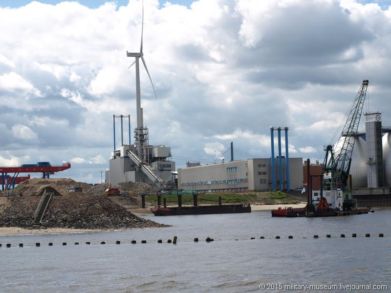Hamburg Hafen-2015-05-30_057.jpg