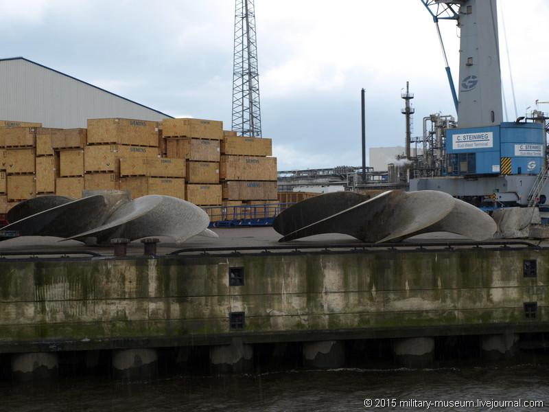 Hamburg Hafen-2015-05-30_102.jpg