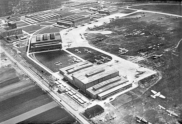 Junkers Werke 1935 Holger Lorenz.JPG