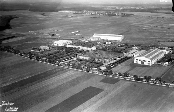 Junkers Werke 1927 Holger Lorenz.JPG