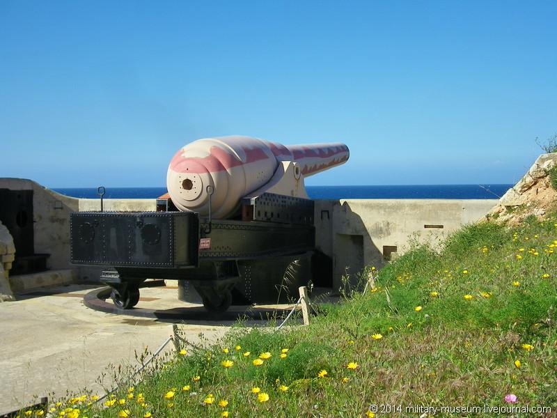 Malta War Museum-2009-04-21_076