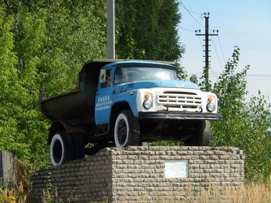 ЗиЛ-555 в поселке Стрижи Кировской области