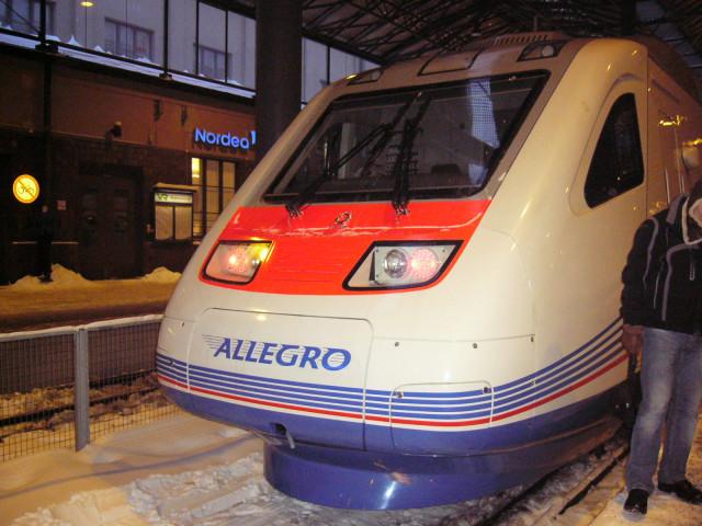 поезд Allegro(Аллегро) на вокзале в Хельсинки