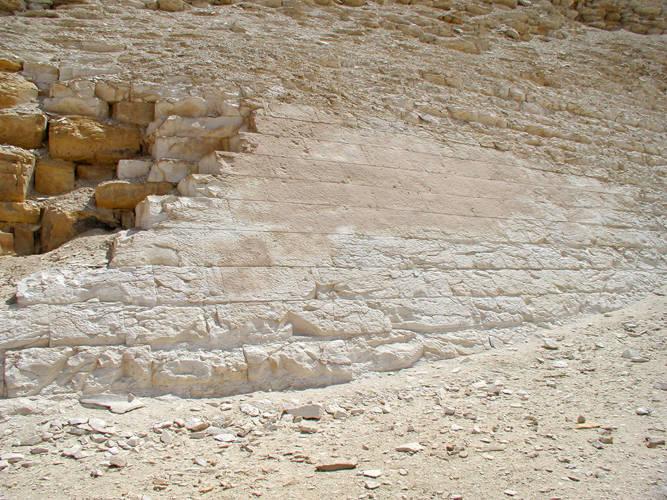 Пирамиды. Часть внешней кладки Пирамиды в Мейдуме