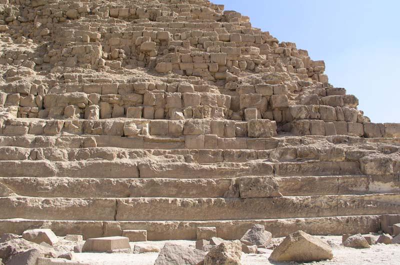 Египет.Скальный останец в основании 2-й пирамиды на плато Гиза