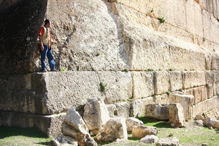 ба мегазабор. огромный камень