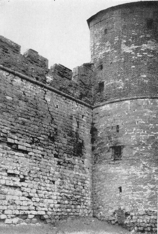 Коромыслова башня до реставрации