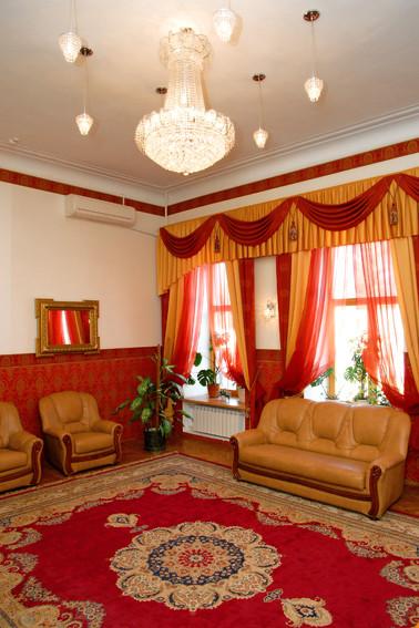 Дом Иконникова. Красный зал торжественной регистрации